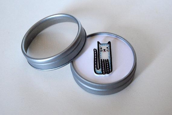 cat brooch